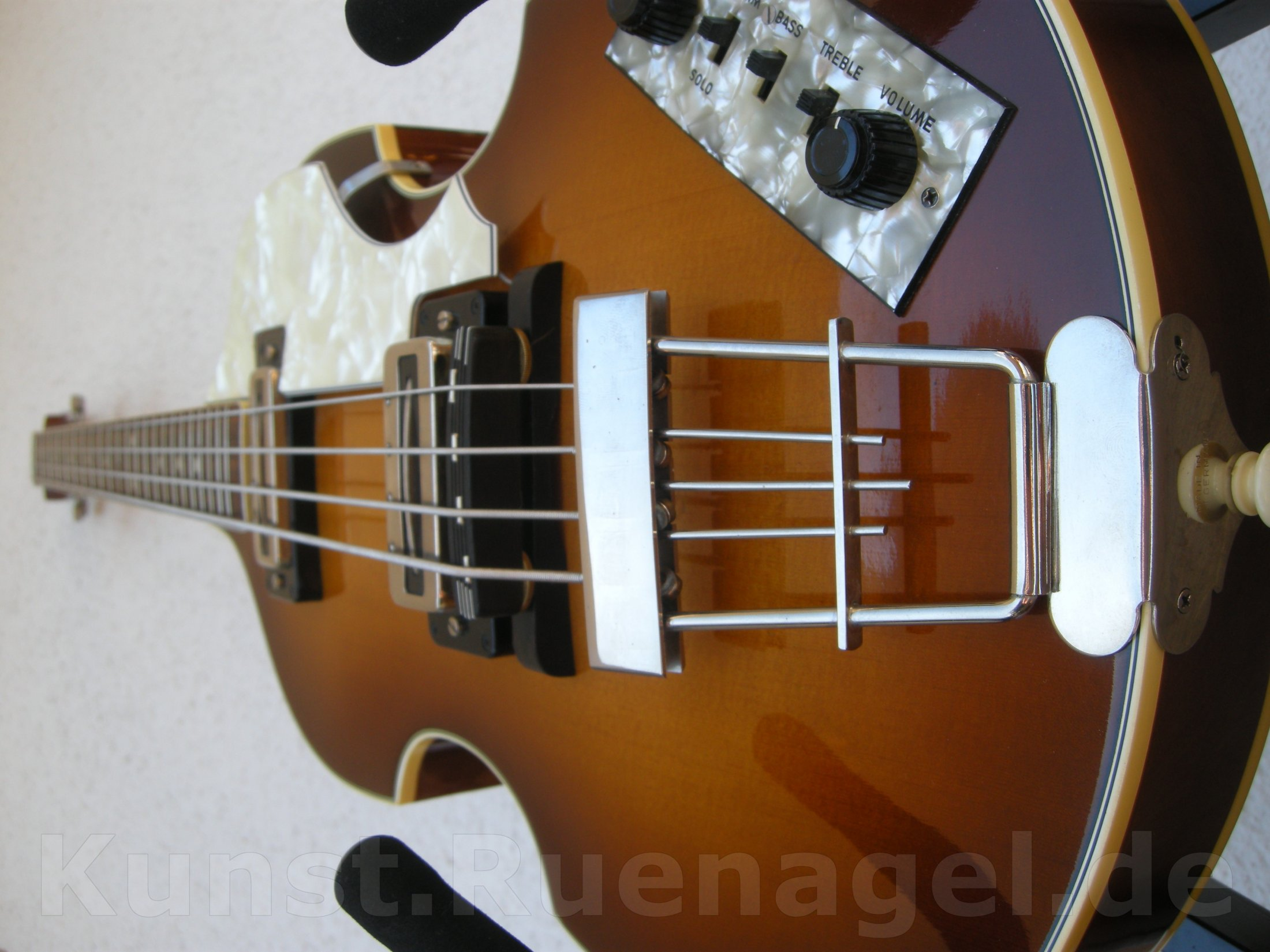 Beatles Bass Guitar Hoefner 500-1 Musik Intrumente Rosenheim - Kunst-Ruenagel-de101