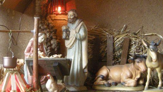 WeihnachtsKrippe-und-HolzFiguren--DSCN1033